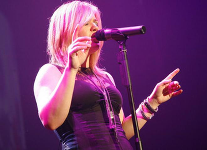Келли Кларксон на концерте в Кельне
