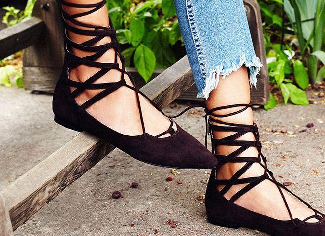 Взуття зі шнурівкою