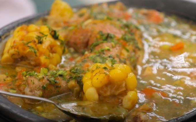 Колумбийский суп ахиако