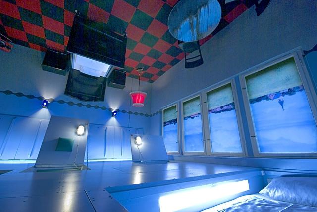 Незвичайні номери в готелях: Upside Down, Propeller Island City Lodge, Німеччина