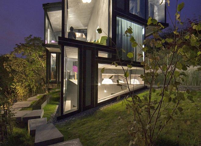 Как построить просторный дом на крошечном участке