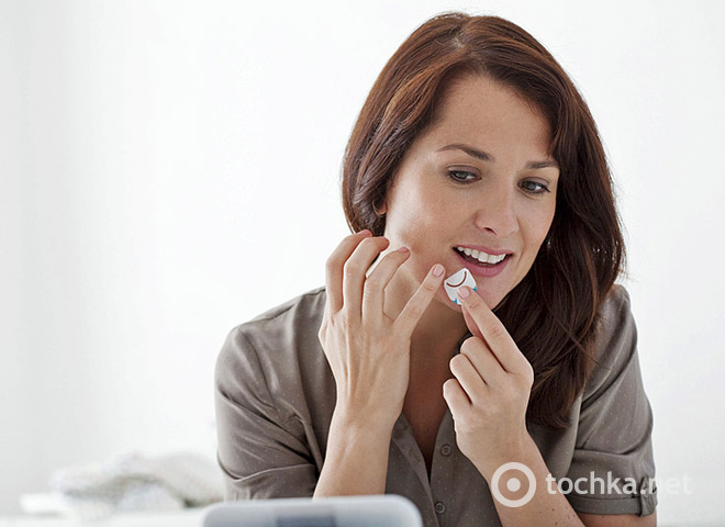 Как убрать герпес на губах быстро