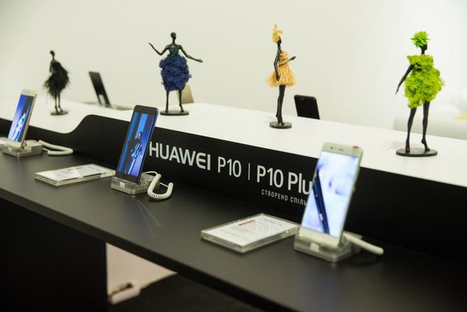 Huawei & ELENA BURENINA — сотрудничество технологического партнера  Ukrainian Fashion Week и прогрессивного дизайнера