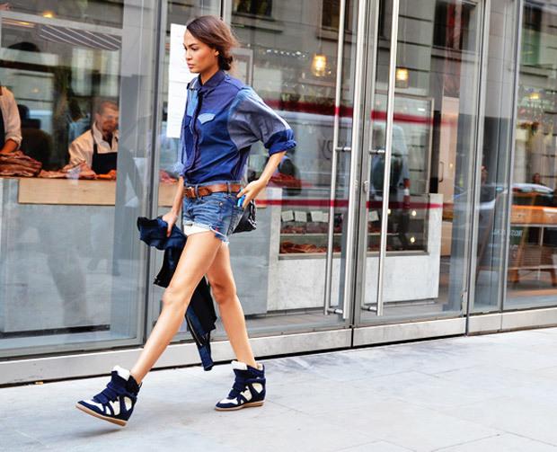 Як носити кросівки: street-style приклади