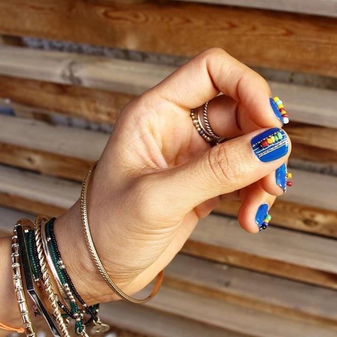 Тренд літа 2016: манікюр braceletnails