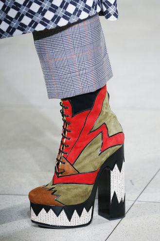 Модне взуття 2016: рясний декор