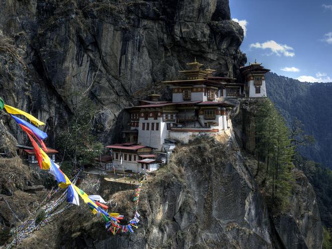 Монастирь Гніздо Тигра, долина Паро, Бутан