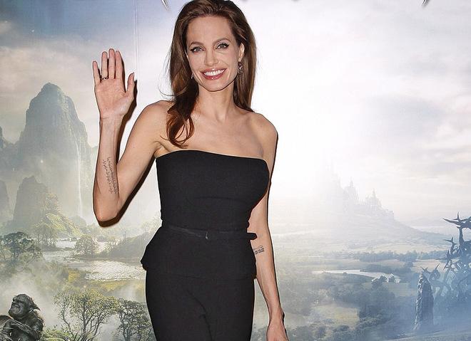 Анджеліна Джолі на прем'єрі фільму Малефісента