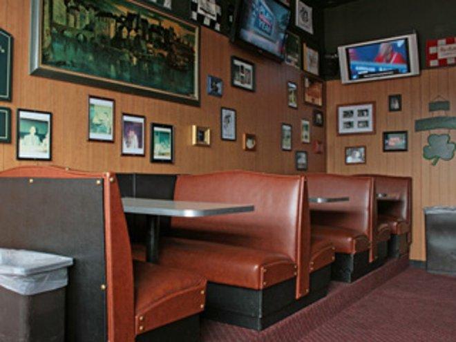 Кінотуризм: на дорозі. Don's Club Tavern