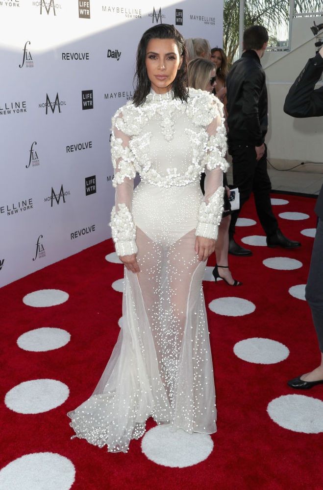 Кім Кардашьян у сукні від Givenchy