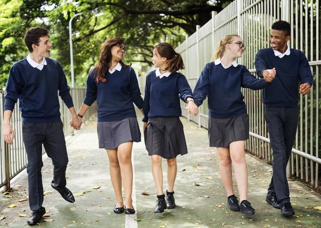 Шкільні форми в різних країнах світу