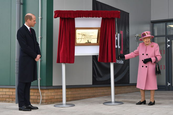 Елизавета ІІ и принц Уильям