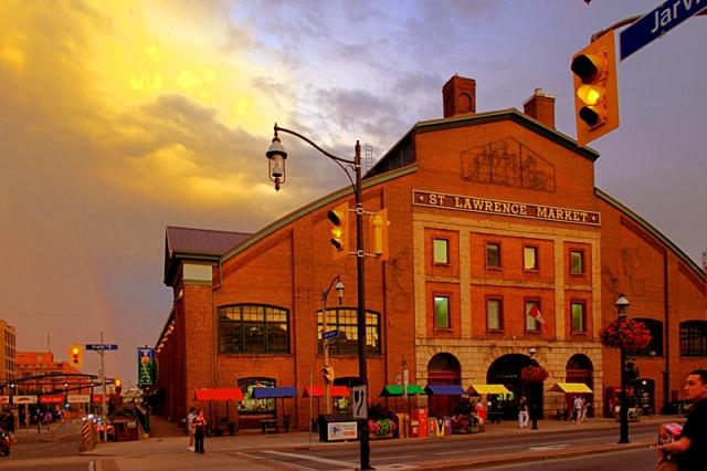 Топ 5 уличных рынков: Рынок «St. Lawrence Market» - Канада