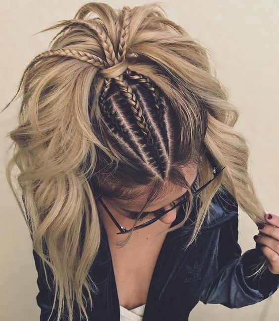 Модні зачіски з плетінням на літо 2021
