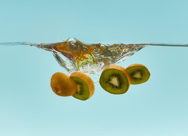 А фрукты только до обеда: таблица калорийности фруктов, которая тебя удивит