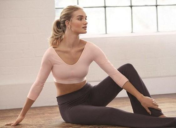 Роузи Хантингтон-Уайтли запускает линию спортивной одежды