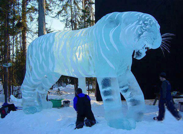 Удивительная ледовая скульптура в Китае