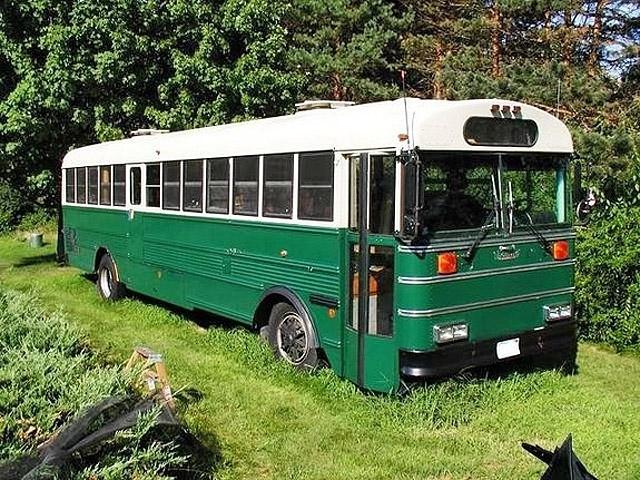 Оригінальні будинку на колесах: School bus