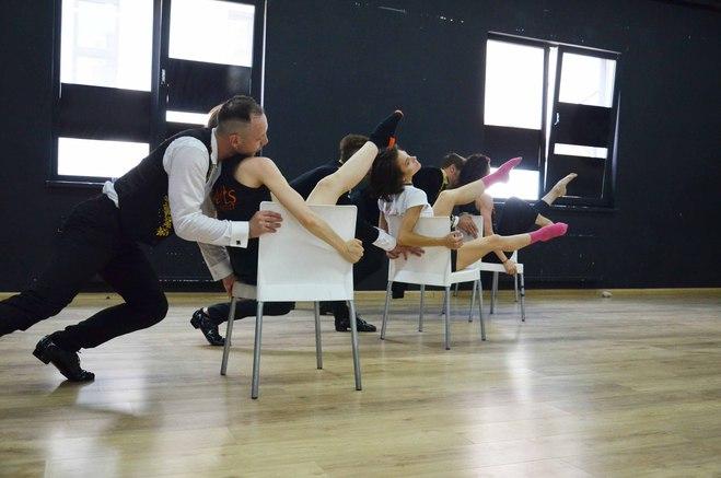 """D'Arts Dance Projectпоказали кадры с репетиции нового шоу""""За закрытой дверью"""""""