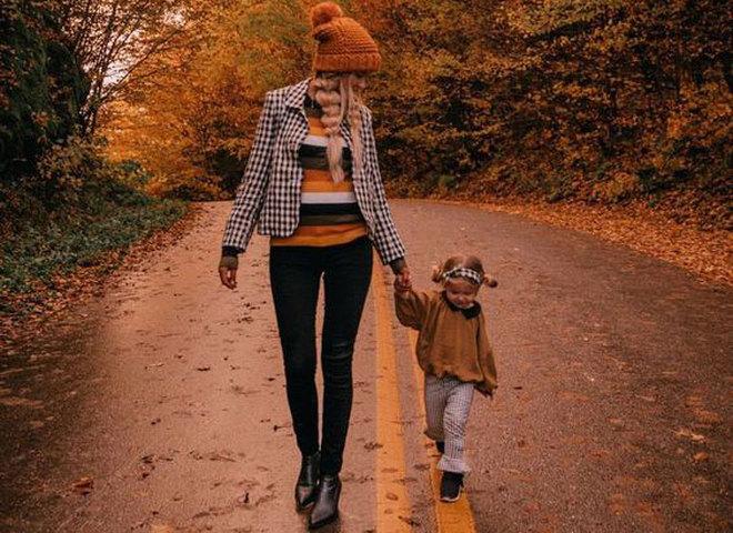 мама с донькою
