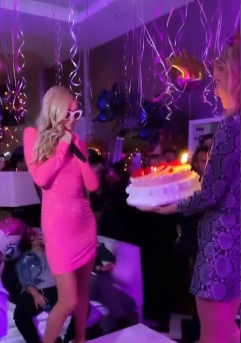 """Алла Костромичева """"зажгла"""" на дне рождения Пэрис Хилтон: """"Это было весело!"""""""