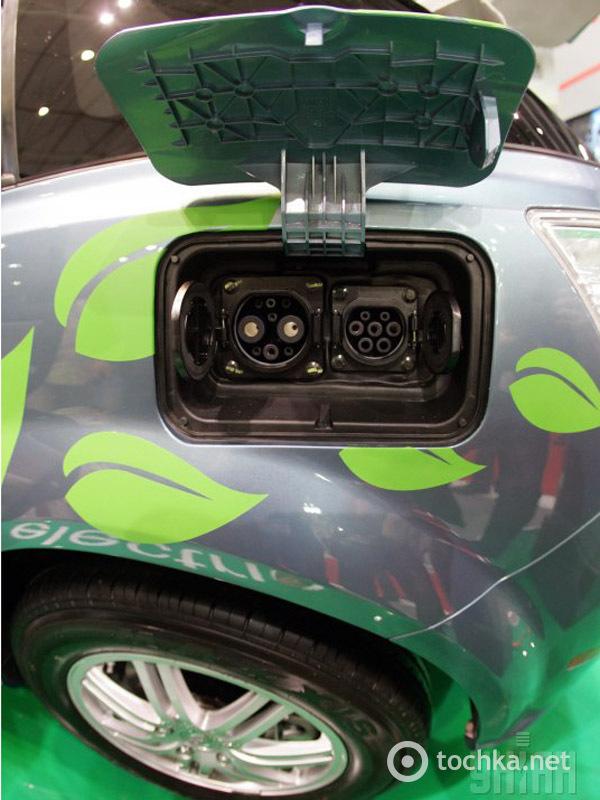 Де зарядити електромобіль в Києві