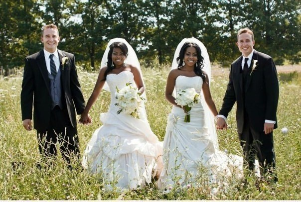 Свадьба близнецов.