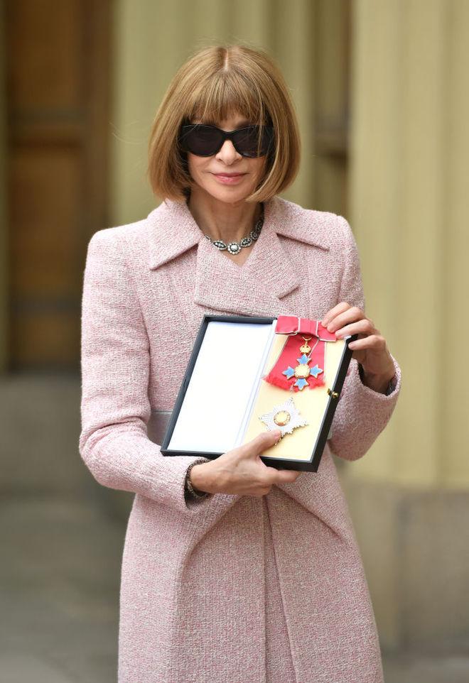 Анна Винтур получила королевский орден