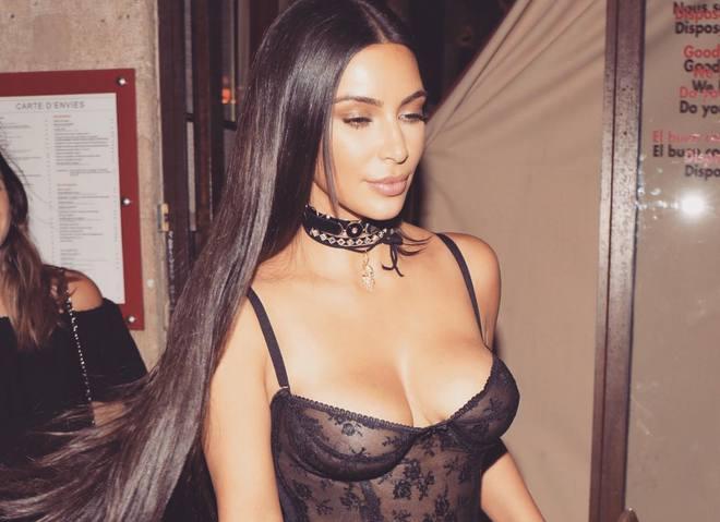 Ким Кардашьян в нижнем белье снялась для Love Magazine