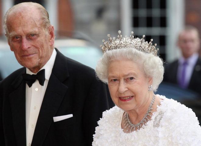 Єлизавета II і принц Філіпп (Cover)