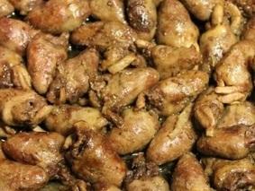 Куриные сердечки с луком