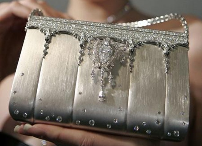 В Париже представили дамскую сумочку ценой в $1 млн.