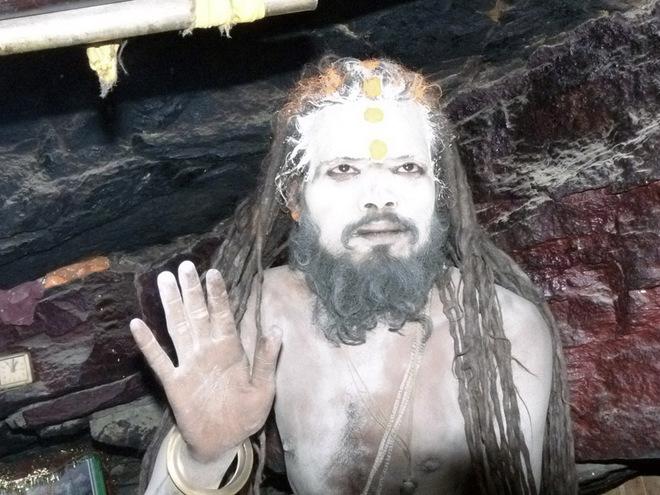 """Агхори: """"святые люди"""" или сумасшедшие?"""