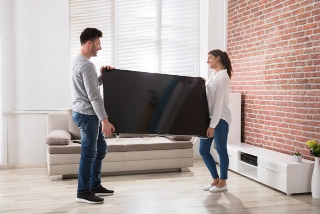 Скупой платит дважды: почему не стоит экономить на телевизоре