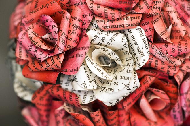 Бумажные цветы на открытке своими руками