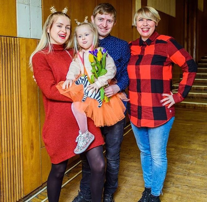Брат Нади Дорофеевой Максим с семьей