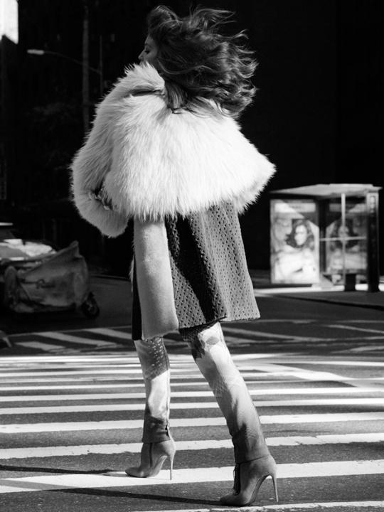 Емілі Ді Донато для Vogue Mexico