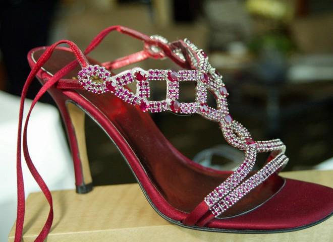 Дорогоцінні туфлі коштують  $2,5 млн