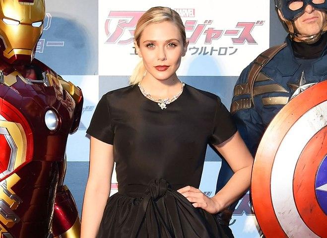 """Элизабет Олсен на премьере """"Мстители: Эра Альтрона"""" в Токио"""