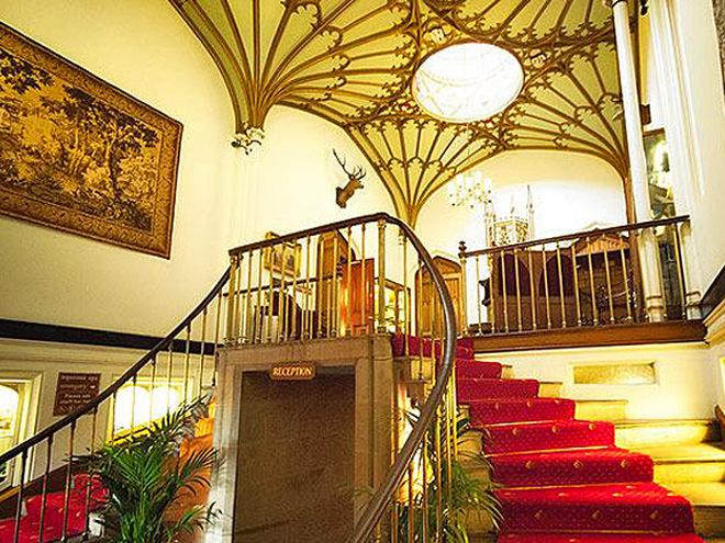 Романтические отели Европы: Dalhousie Castle Hotel and Spa, Edinburgh