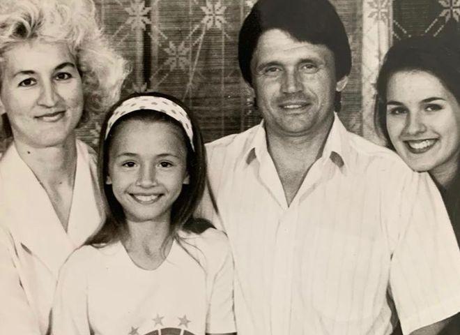 Маша Ефросинина с семьей