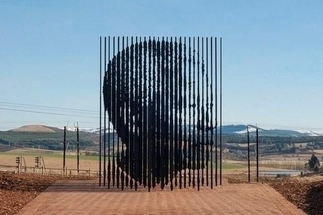 ТОП-10 самых необычных памятников мира
