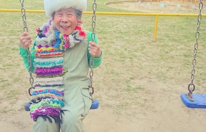 93-летняя Эмико обожает одежду внучки