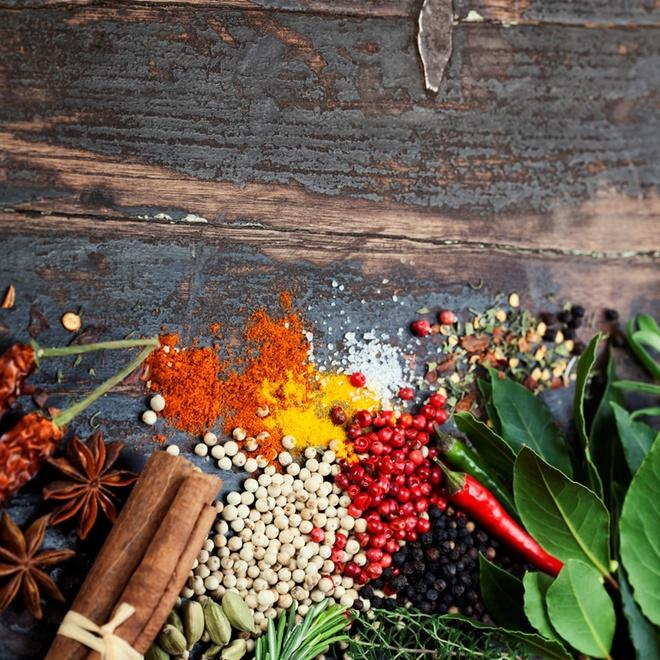 Традиционные грузинские пряности: секретная соль, голубые семена и бархатцы к мясу