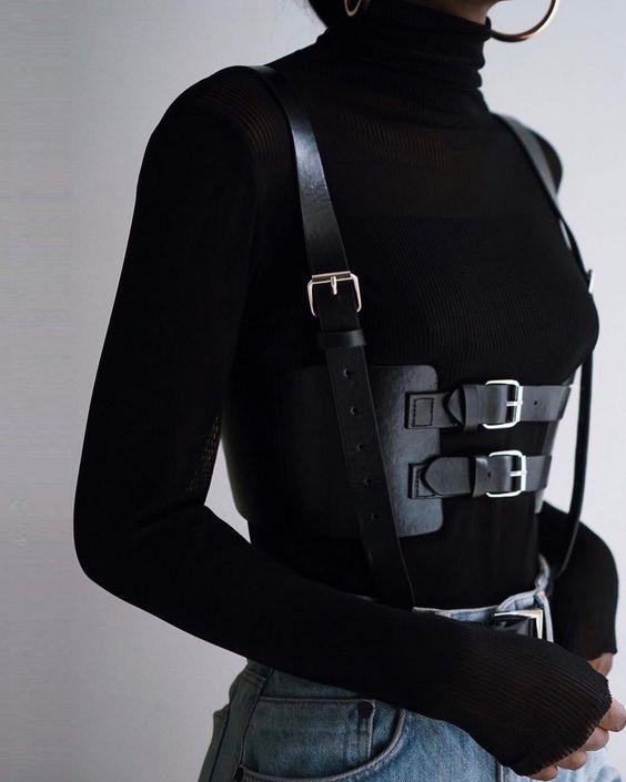 С чем носить портупеи и могут ли они выглядеть уместно в повседневном гардеробе