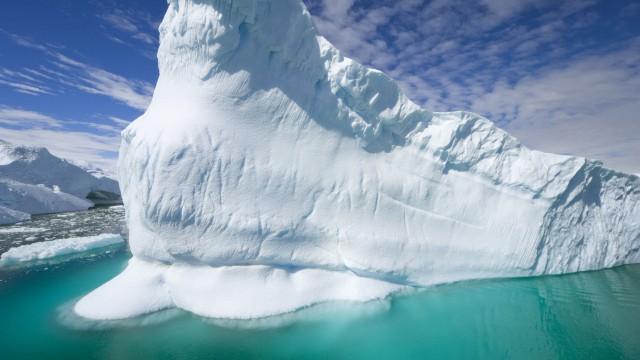 Айсберги в океане фото