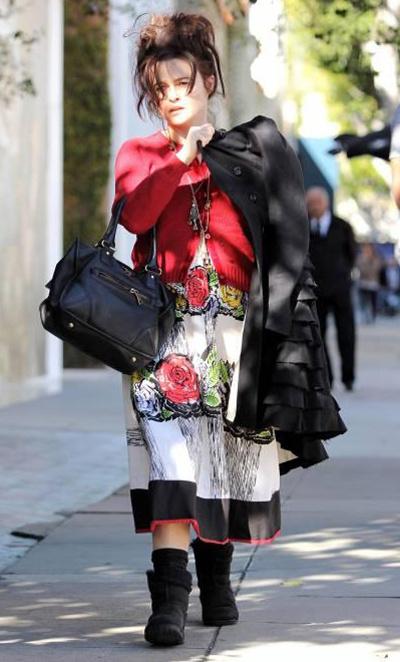 Странный уличный стиль Хелены Бонем Картер