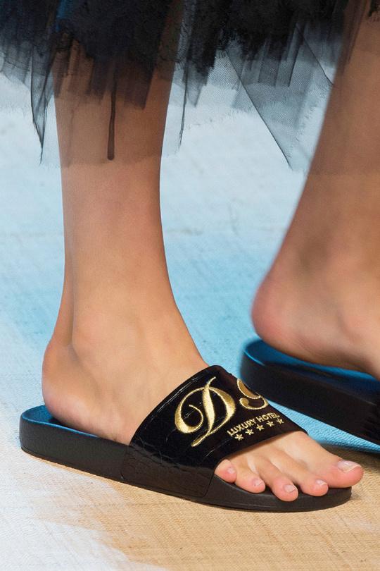 Неделя моды в Милане: тенденции обуви на весну-лето 2017