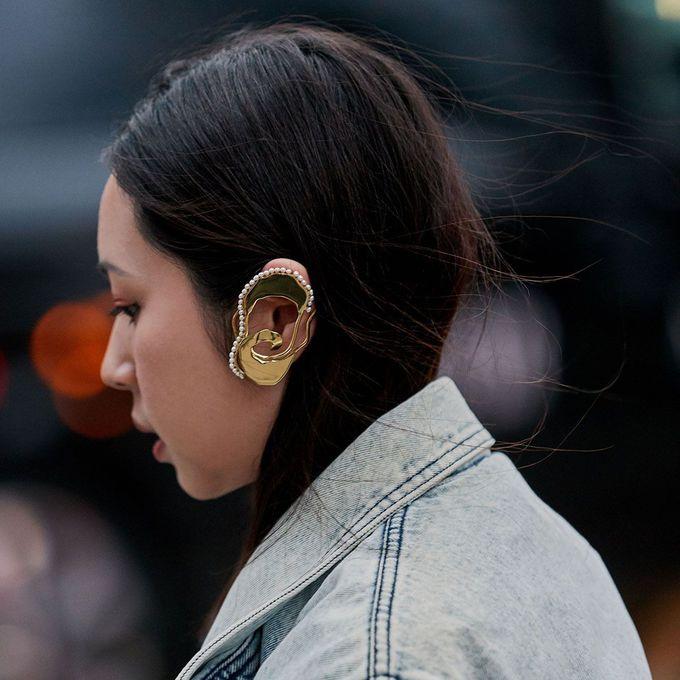 Сережки кафи: як носити модний аксесуар
