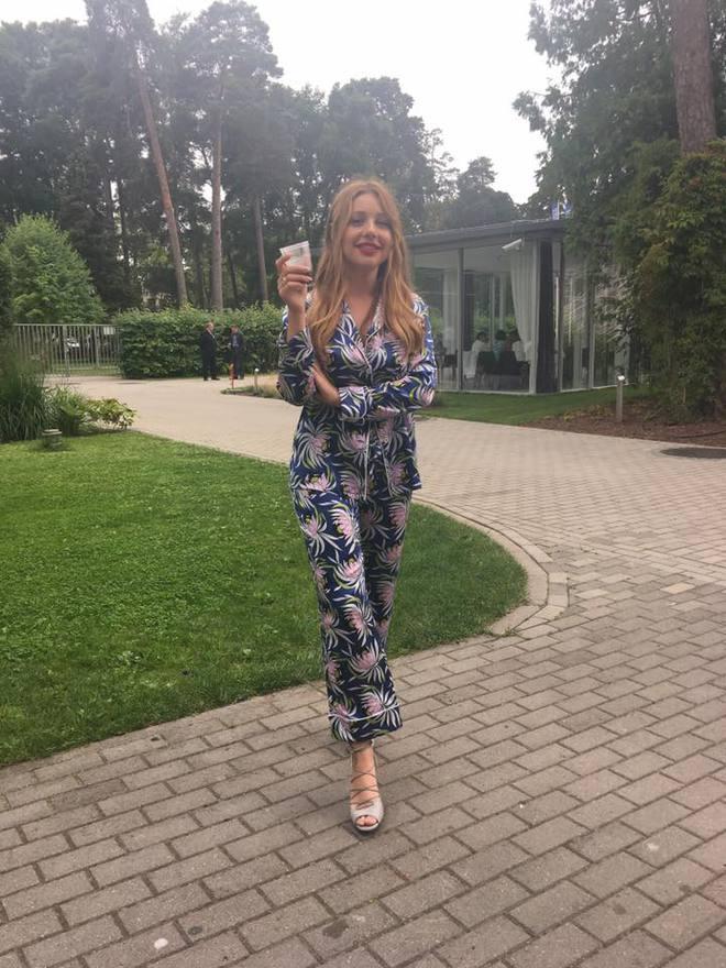 ТОП-10 модних образів Тіни Кароль в Юрмалі